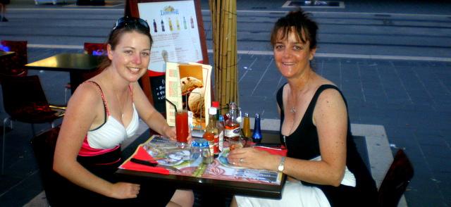 Eating out in France. Je vais commander les cuisses de grenouilles s'il vous plaît. (I w