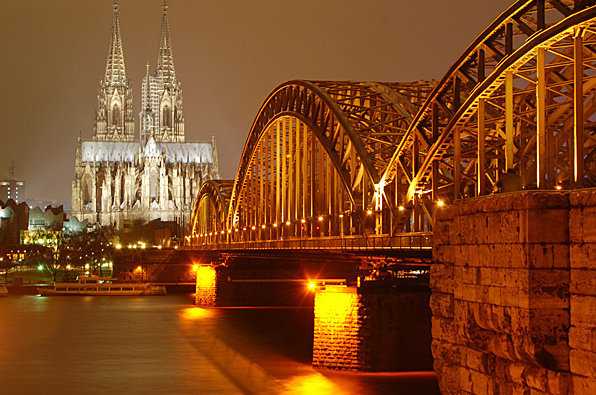 View of Cologne Cathedral over the Rhine. Photo CC by Motiqua.
