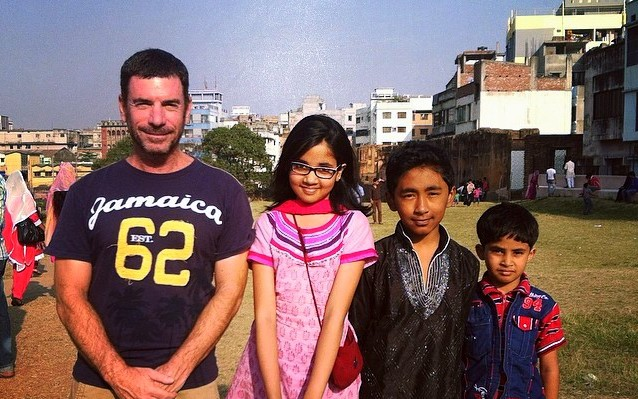 #friendly #children at the #lalbagh #fort in #Dhaka #bangladesh — with George Rajna