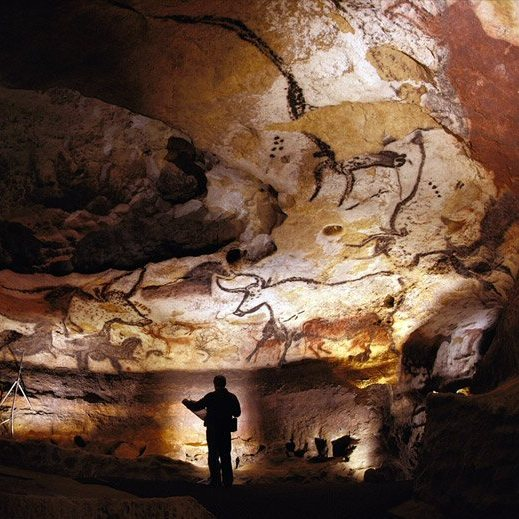 Inside Lascaux Cave France Ice Age Caves Very Few Can See