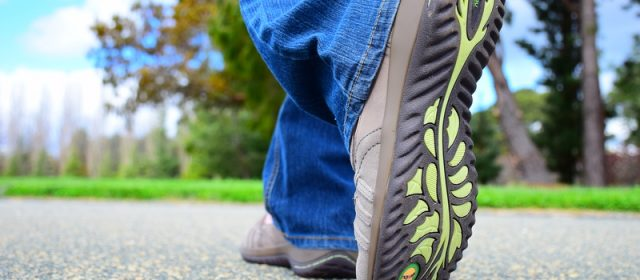 How to Pick the Best Travel Shoes: Make Sure They Have All the Same Features of Jambu