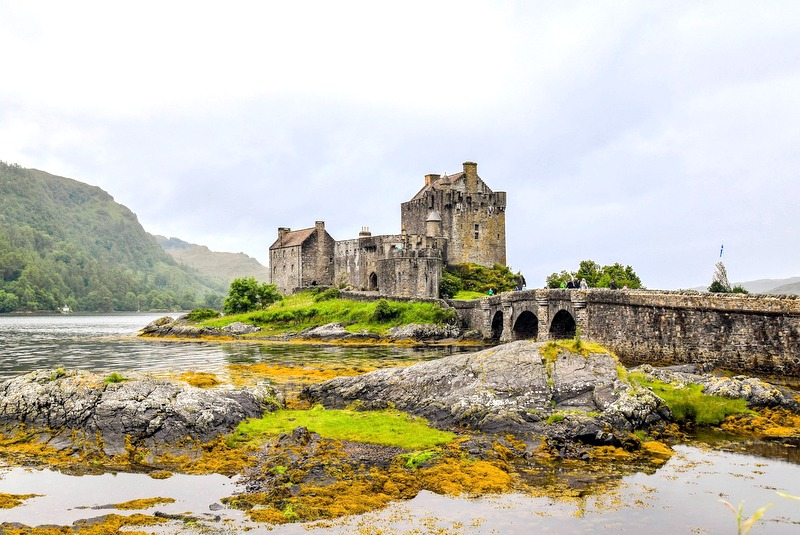 If there's anywhere that lends itself to a few nights in a medieval castle, it's the Scottish Highlands.
