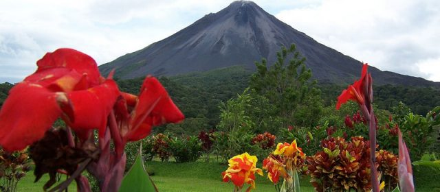 5 Countries With Active Volcanoes You Can Visit