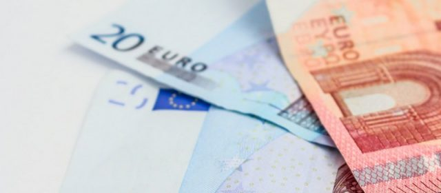 How to Transfer Money: Expat Guide to International Money Transfers