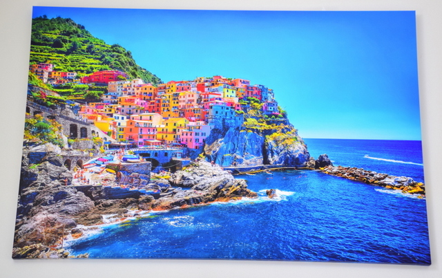 Wall Art Prints is one of the largest Australian online art galleries, with stunning artwork they will print for you to hang on your walls.