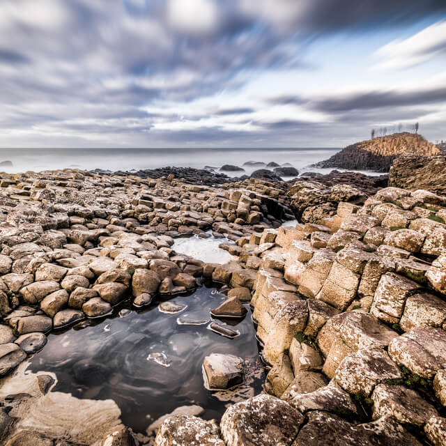 Your Options For Visiting the Giant's Causeway: Independent Travel and Bus Tours