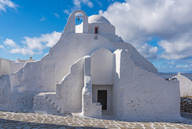 Find yourself in Greek Mykonos