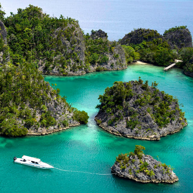 5 Amazing Sailing Destinations in Indonesia