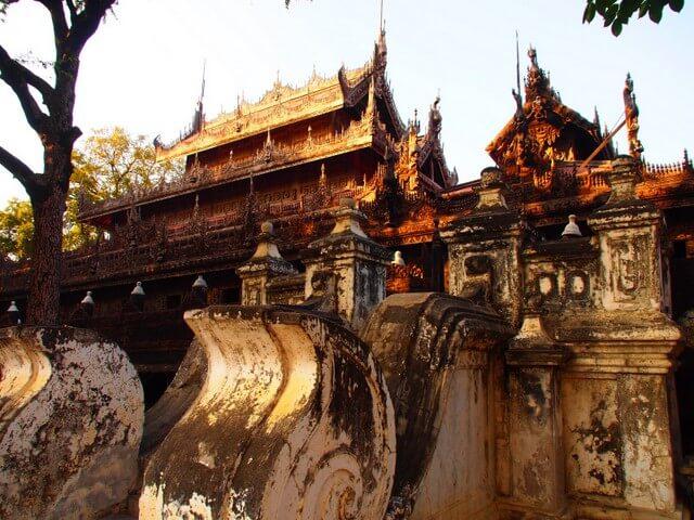 Shwenandaw Monastery in Mandalay (Myanmar 2013)