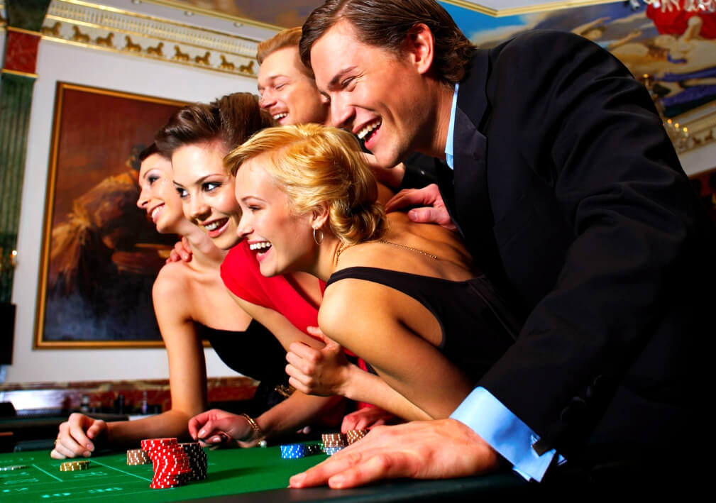 play online casino games for fun at vegas world